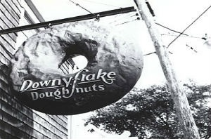 black and white Downyflake Doughnut sign